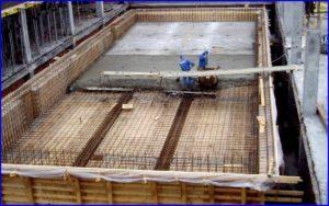Строительство бассейна.