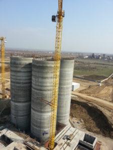 Силосные банки для хранения сырья. Каспийский завод листового стекла, 2013 г.